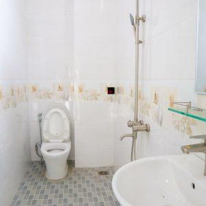 nhà vệ sinh nhà kdc hiệp thành 3 hiệp thành