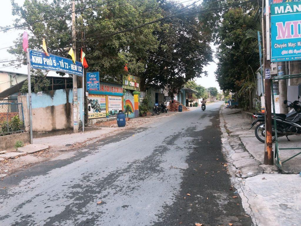 đường trước nhà phường hiệp thành