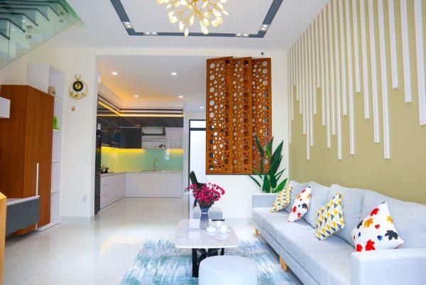 Khong Gian Phong Khach Nha Phuong Phu My