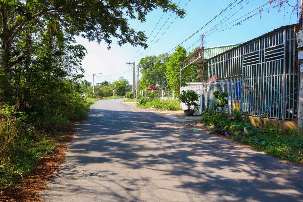đường trước nhà dx 041 nhựa 5m